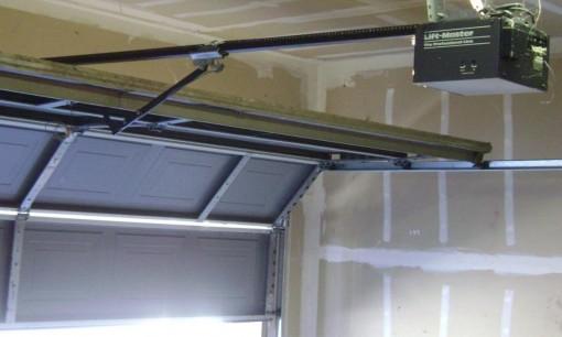 Garage_door_opener.jpg