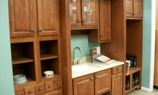 Kitchen_cabinet_display_in_2009.jpg